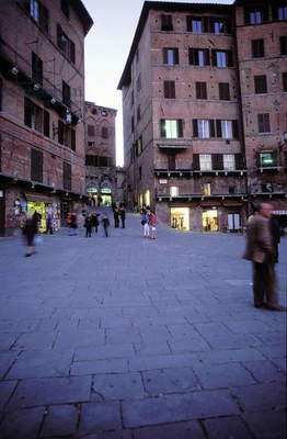 Piazza del Campo: Aerial and Topographic Views, c.1997 (photo)
