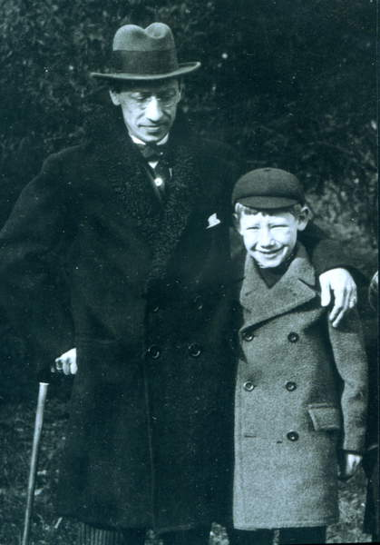 Image of Igor Stravinsky with his son Theodore, 1916 at Monges. Russian Composer 1882 - 1971, Photo © Fondation Théodore Strawinsky / Bridgeman Images