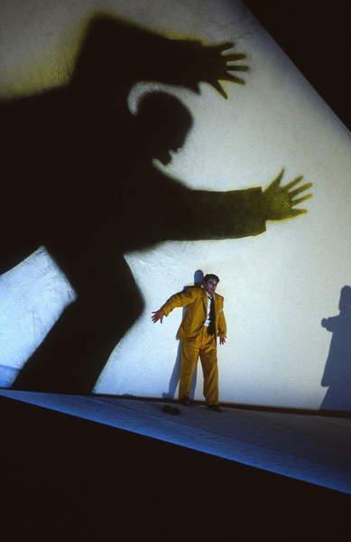 Image of Igor Stravinsky 's opera 'Oedipus Rex' - Philip Langridge as Oedipus in an English National Opera production, 1991, © Bill Rafferty / Bridgeman Images