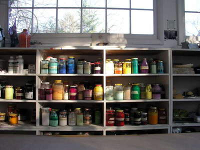 Paint jars, view of the interior of Anne Truitt's studio, 2005 (photo)