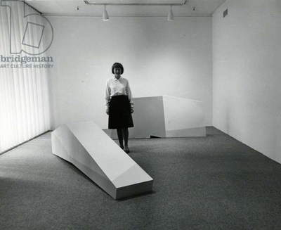 Anne Truitt with her sculptures at the Andre Emmerich Gallery, 1965 (b/w photo)