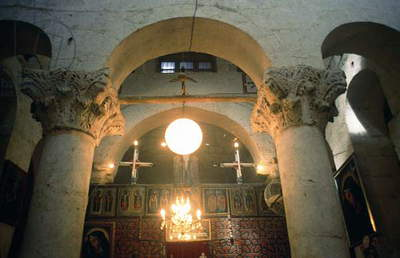 View of the interior, founded in the 10th century (photo)