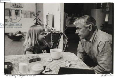 Bill de Kooning with Daughter in NYC, 1960 (gelatin silver print)