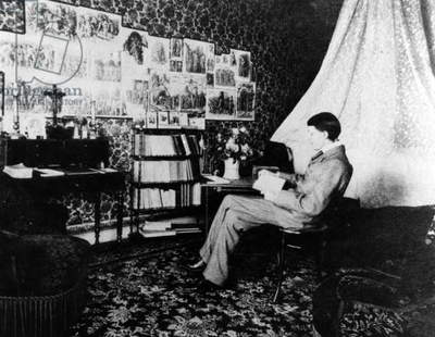 Aubrey Beardsley in the Cosmopolitan Hotel, Menton, France, 1898 (b/w photo)