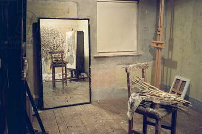 Interior of Lucian Freud's studio (photo)