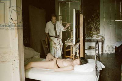 Lucian Freud at work on 'Naked Portrait', 2004-05 (photo)