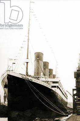 RMS Titanic departing from Southanpton on her maiden voyage, April 5, 1912 (b/w photo)