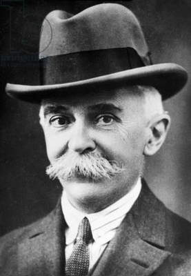 Portrait of Pierre de Coubertin (photo)
