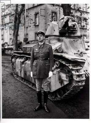 The 507th Tank Regiment at Metz, Colonel Charles de Gaulle (1890-1970) posing in front of a tank D2, Summer 1937 (b/w photo)