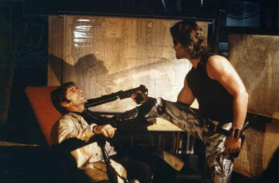 ESCAPE FROM NEW YORK, 1981 directed by JOHN CARPENTER Harry Dean Stanton / Kurt Russell (photo)