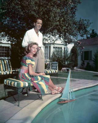 Lauren Bacall and Humphrey Bogart chez eux en, 1948 (photo)