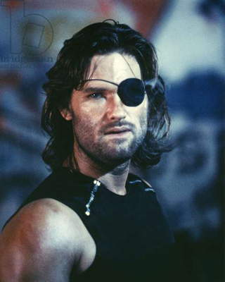 ESCAPE FROM NEW YORK, 1981 directed by JOHN CARPENTER Kurt Russell (photo)