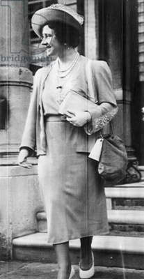 Queen Mother Elizabeth, Queen of the United Kingdom, with a gas mask case during World War II, c.1939