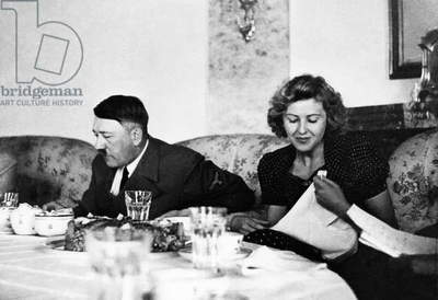 From left, Adolf Hitler, Eva Braun, c. 1940
