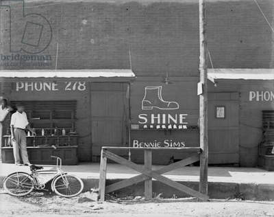 Shoeshine stand, Southeastern U.S., by Walker Evans, 1936