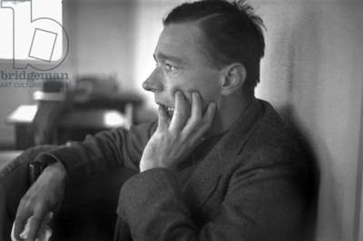 Walker Evans (1903-1975), profile, hand up to face, American photographer, photograph by Edwin Locke, February, 1937