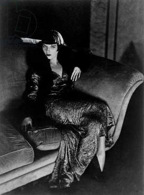 The actress Louise Brooks, 1929 (b/w photo)