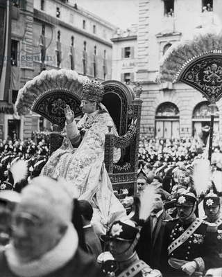 Pope Pius XII being carried in his sedia gestatoria, Rome, 1940s-50s (b/w photo)