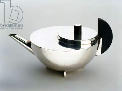 Tea Infuser and strainer, made by the Bauhaus Metal Workshop, Weimar, 1924 (silver with ebony)