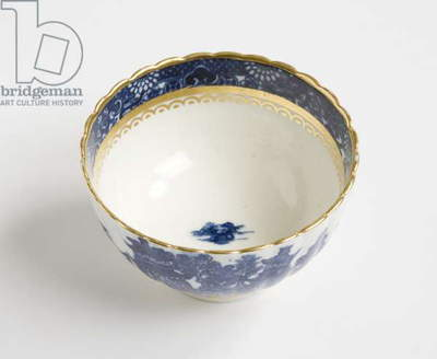 Tea bowl, 1775-99 (porcelain)