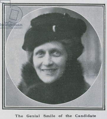 Lady Nancy Astor: The genial smile of the candidate (photo)