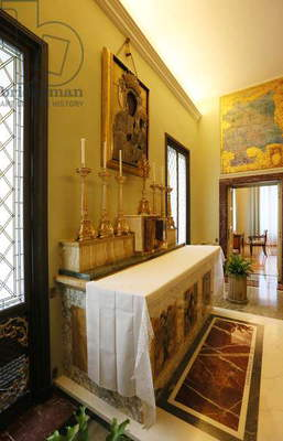 The Apostolic Palace in Castel Gandolfo, Italy, 2016 (photo)
