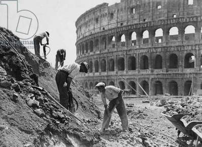 Workers building via dell'Impero in Rome, Rome, Italy
