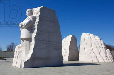 Thirty-foot-high white granite statue of Dr Martin Luther King, Jr (photo)