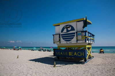 A lifeguard stand at South Beach (photo)