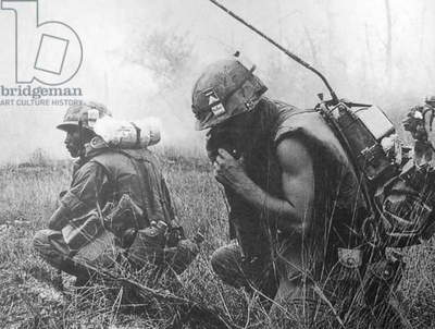 Vietnam: US Army soldiers in action during the 1968 Tet Offensive at Hue, central Vietnam.