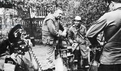 Vietnam / USA: CBS News anchorman Walter Cronkite conducts an interview in Hue during the Tet Offensive, February 1968