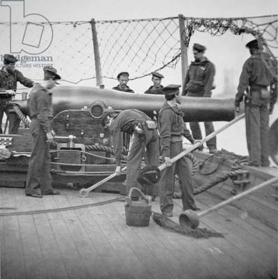 Federal Sailors Man a 9-inch Dahlgren Gun (b/w photograph)