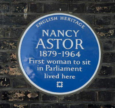 Blue plaque for Lady Astor outside her home, No. 4 St. James's Square (photo)