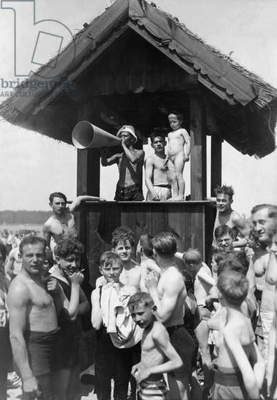 Beach lifeguards at the lido Wansee, 1935 (b/w photo)