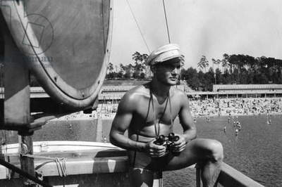 Lifeguard at the lido Wannsee, 1938 (b/w photo)