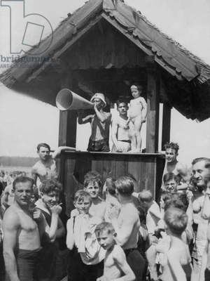 Lifeguard house on the beach at Wannsee, 1938 (b/w photo)