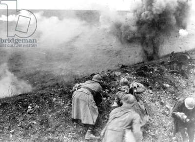French soldiers during the battle of Verdun, 1916 (b/w photo)
