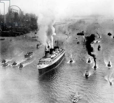 transatlantic liner Normandy in New York, here first crossing june 03, 1935 on mouth of Hudson river
