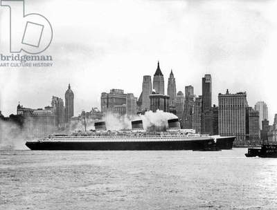 First crossing of liner Normandy (built in SaintNazaire and launched on october, 19 1932) of the Transatlantic Company between France and New York 1932