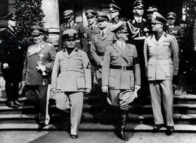Axis powers (l-r) : Herman Goering, Benito Mussolini, Adolf Hitler, count Rudolph Hess, member of nazi government, Joseph Goebbels, Galeazzo Ciano, 2nd row : Rudolph Hess and Himmler on may 22, 1939 after signature of the Pact of Steel in Berlin