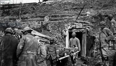 Battle of Verdun 1916 - 1917 : wounded French soldier evacuated