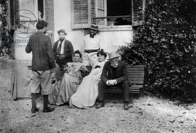 September 1898, the day after burial of Stephane Mallarme : standing (back) : Pierre Bonnard, bench : Ida Godebska (sister in law of Misia), Misia Natanson (future Misia Sert), Auguste Renoir, standing background : Cipa (half brother of Misia) and Thadee Natanson (1st husband of Misia)