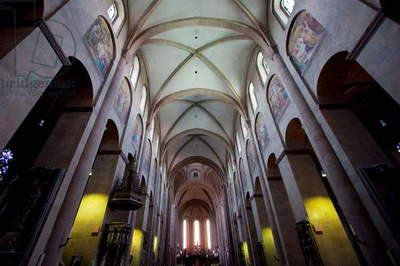Central Nave of the Mainzer Dom (Mainz Cathedral Or St. Martin's Cathedral), Mainz, Germany (photo)