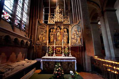 Gothic Altarpiece in the Mainzer Dom (Mainz Cathedral Or St. Martin's Cathedral), Mainz, Germany (photo)