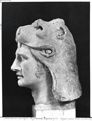 Mithradates VI (132-63 BC) Eupator, King of Pontus (marble) (b/w photo) (see also 159138)