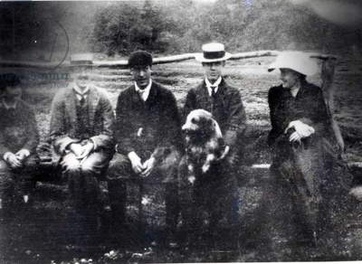 James and Lytton Strachey with Thoby, Adrian and Virginia Stephen in Fritham, Hampshire, 1901 (b/w photo)