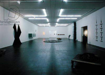 View of a gallery at the Kunsthalle (photo)
