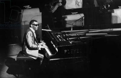 Ray Charles Singing at The Olympia in Paris May 18Th 1962 (b/w photo)