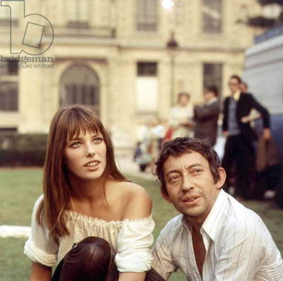 Jane Birkin and Serge Gainsbourg during An Exhibition in Tuileries Gardens in 1969 in Paris (photo)