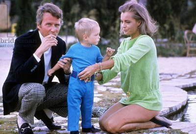 Actress Romy Schneider With her Son David (2) and Husband Harry Meyen in 1968 in Saint Tropez  (photo)
